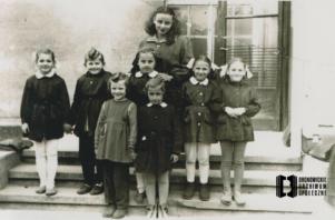 Uczennice Szkoły Powszechnej w Bronowicach Małych