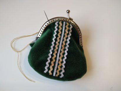 Portmonetka z zielonego aksamitu