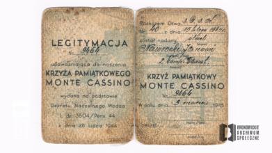 Legitymacja upoważniająca do noszenia Krzyża Pamiątkowego Monte Cassino przez Jana Nawrockiego wydana 3 marca 1945 r