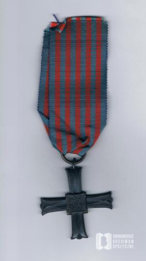 Krzyż Pamiątkowy Monte Cassino nadany Janowi Nawrockiemu 15 lutego 1945 r