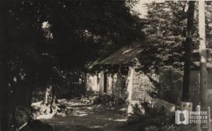 Dom Morawców przy ul. Boya-Żeleńskiego. Fotografia z chłopcem